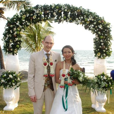 More pictures of the wedding! รูปงานแต่งงานของเราจ้า !