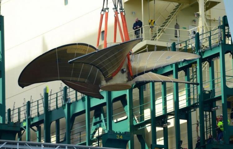 L'hélice de 130 tonnes