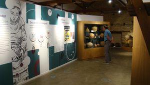 Visite de l'espace muséographique pour les CE au CM