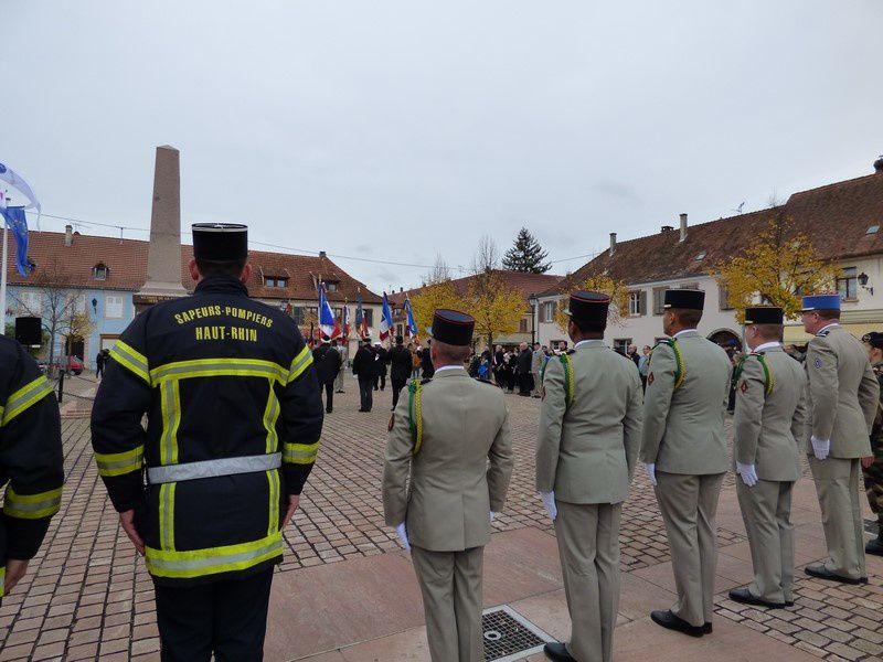 lectures et hommages lors de la cérémonie du 11 novembre 2017 à Neuf-Brisach