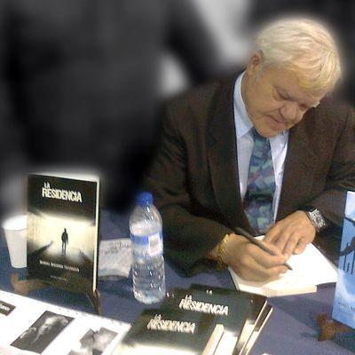 Manuel Macarro Thierbach - Escritor