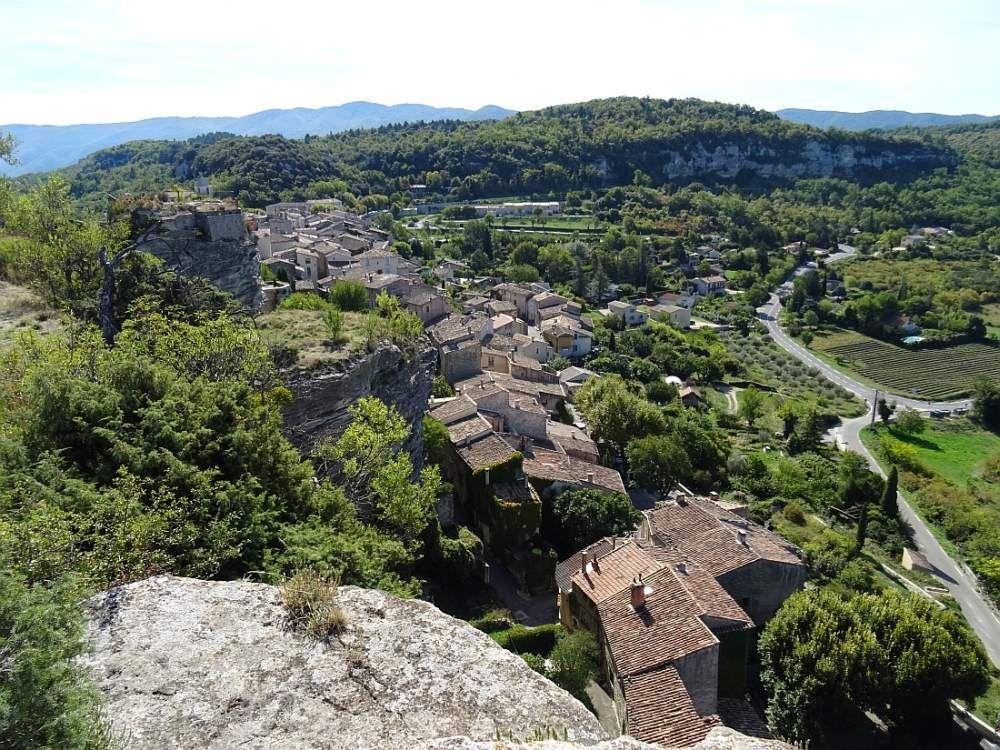 SAIGNON un petit village de caractère haut perché sur son rocher