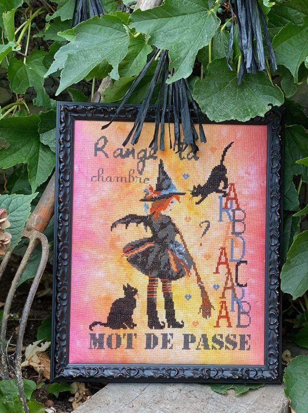 """Nouveau Livre : """" Petit Grimoire à broder"""" au point de croix / Au Editions de saxe et petit jeu Concours :)"""