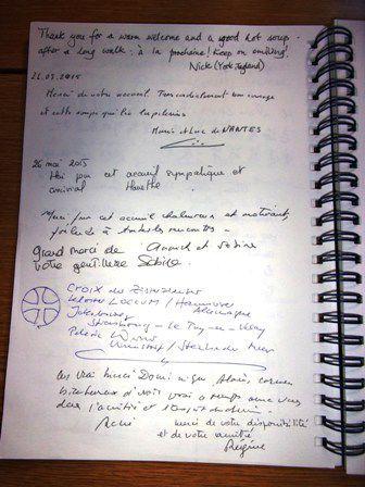 Quelques pages du livre d'or...