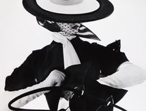 Irving Penn - Photo de mode au sac