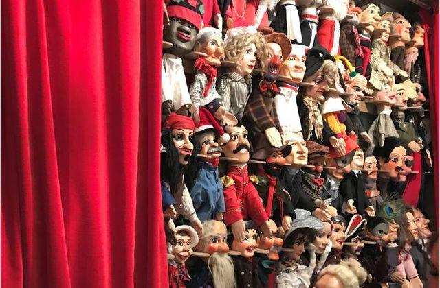 Au théâtre de Guignol dans le Vieux Lyon