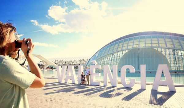 Valencia invite tourist to a mood ON