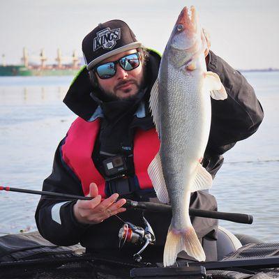 La verticale, une technique redoutable pour pêcher les dorés jaunes du Canada !
