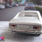 FORD CAPRI 1700 GT MK1 1969 CENTENAIRE FORD MINICHAMPS 1/43 - car-collector