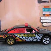 HOLDEN COMMODORE - POLICE CRUISER HOT WHEELS 1/64. - car-collector.net