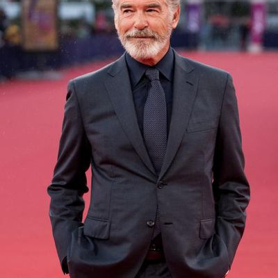 Pierce Brosnan wants a female to play James Bond