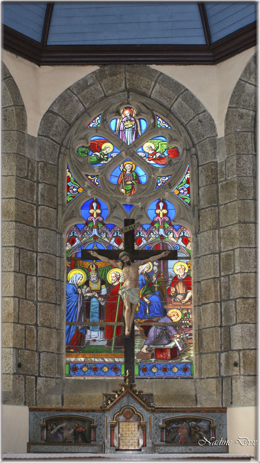 Vitraux modernes du maître verrier Job Guével - Eglise Saint-Joseph de Pont-Aven - 29
