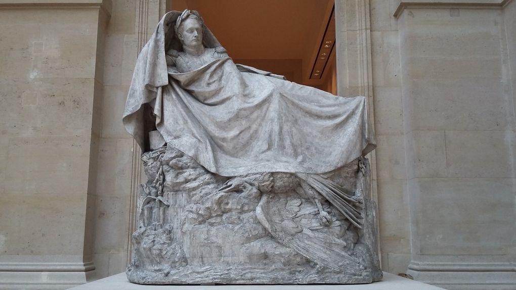 La France Insolite et Secrète DE Mathieu Zanetti : Le Louvre insolite et mystérieux