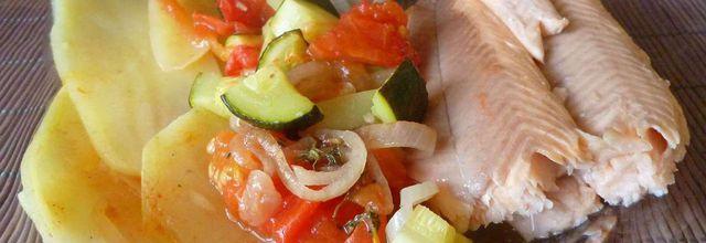truite saumonée, pommes de terre et légumes au four -LIGHT-