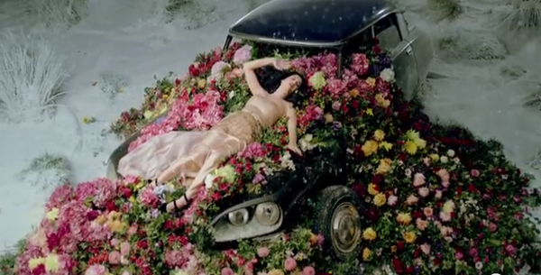 A CITROEN DS IN THE KATY PERRY'S MUSIC VIDEO