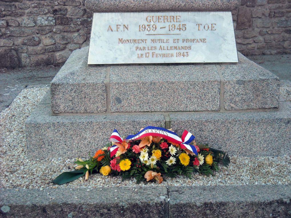 08 octobre 2013-A l'issue du C.A. en mairie de Plouarzel, l'association Aux Marins a rendu hommage aux civils et militaires originaires de Plouarzel morts pour la France.  Photographies :Nicole Agéa.