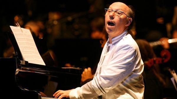 étienne perruchon, depuis 1981 il composait musique de film, musique de scène,la musique symphonique ou la chanson