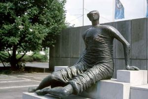 A touch of Henry Moore