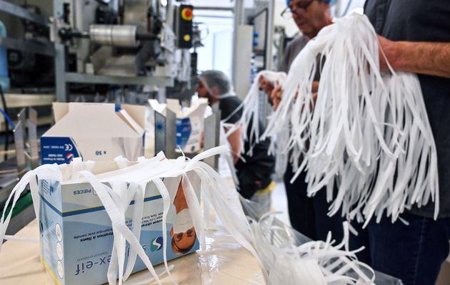 """Coronavirus : Le gouvernement reconnaît un manque de masques et dénonce des vols """"inadmissibles"""""""
