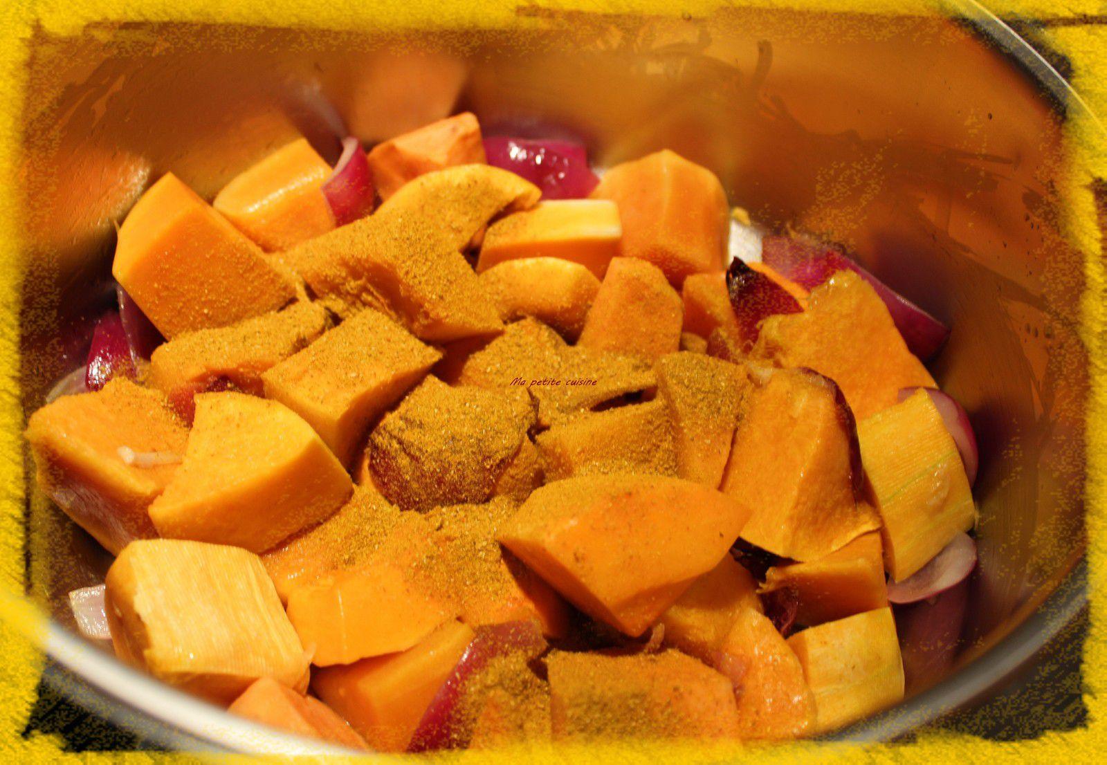 Velouté de courge et patate douce au curry et graines caramélisées