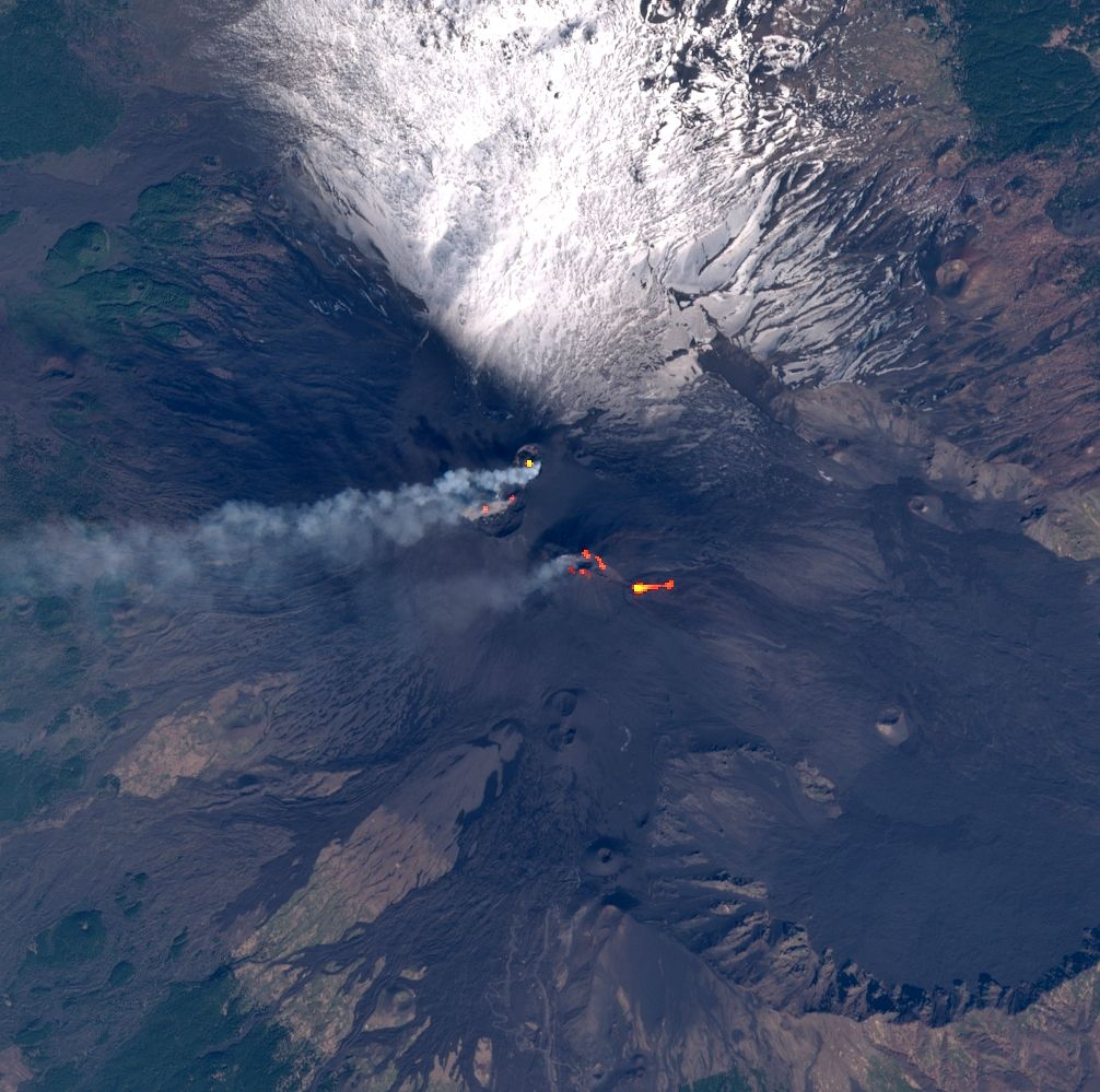 """Etna """"on pause"""" this 02/26/2021 / 09:50 - image Sentinel 2 bands 4,3,2 + bands 12,11,8A via Mounts project"""