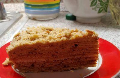 Cuisine russe : gâteau au miel « Miedovik », version pour une poêle