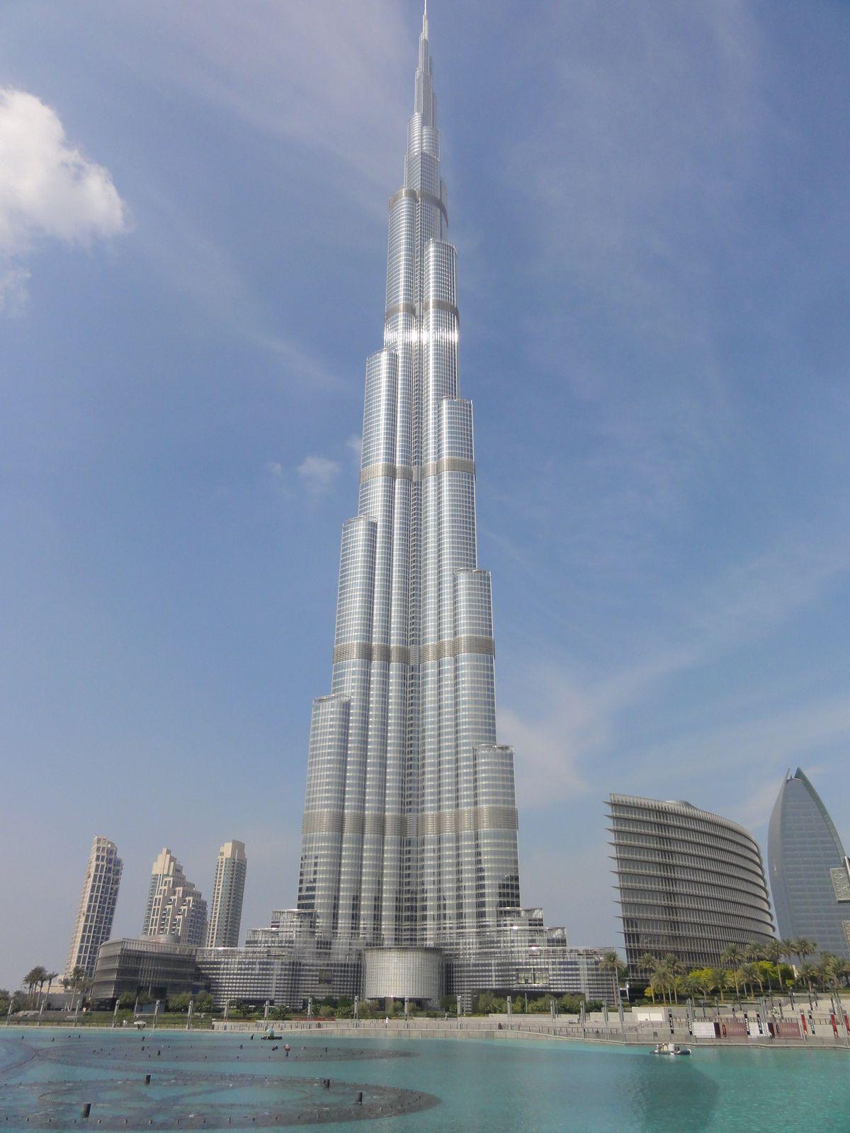Autre emblème de Dubaï, Burj Khalifa, la plus haute tour du monde (3 tours Eiffel !)