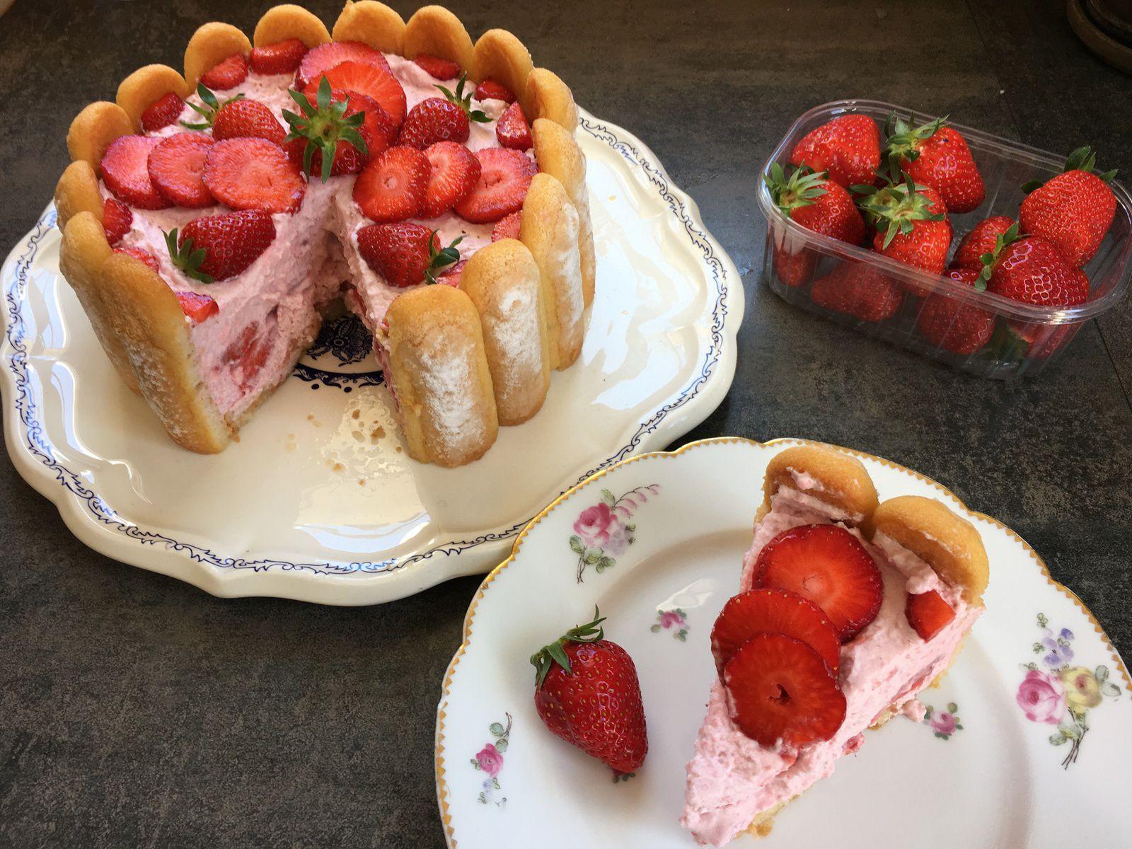 Charlotte aux fraises, rapide et légère!