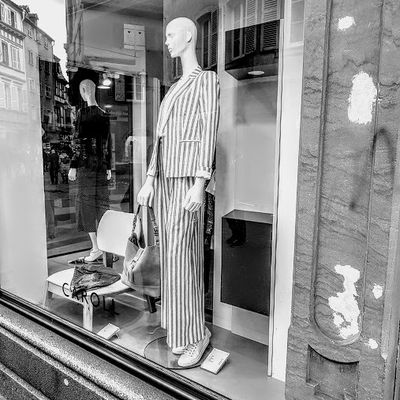 La mode qui choque: Boutique de tenue de camp de concentration ?
