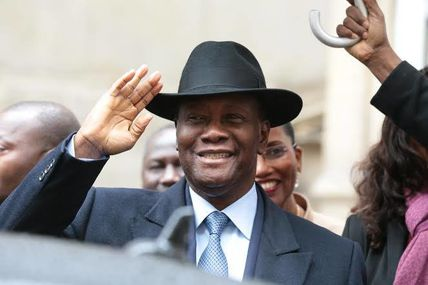 Abdelaziz Ouattara a mis son chapeau de Gaston Deferre