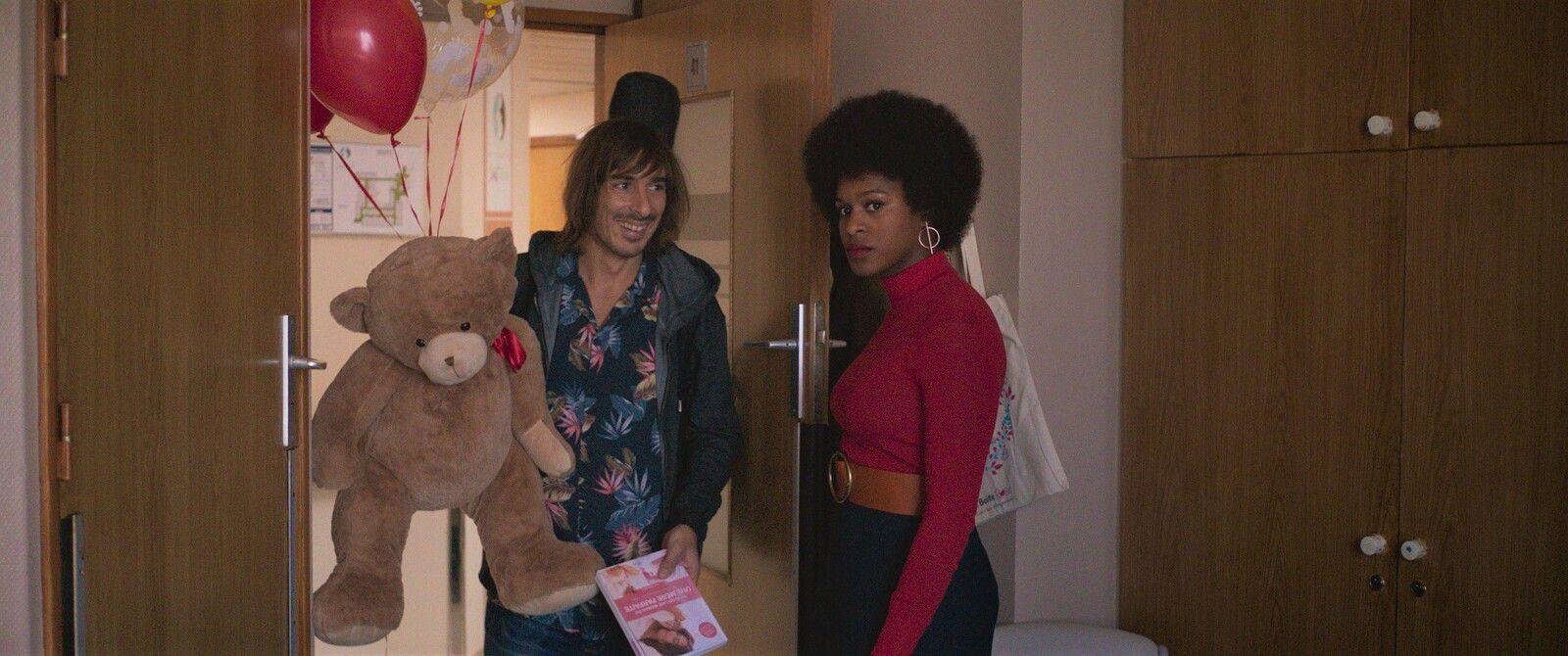 C'est la vie (BANDE-ANNONCE) avec Josiane Balasko, Nicolas Maury, Léa Drucker - Le 28 juillet 2021 au cinéma