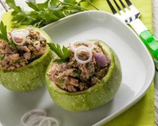 Recette courgette pharcie diététique.  #courgette#recette#thon#étė#rėgimefacile#diėtétique#repas