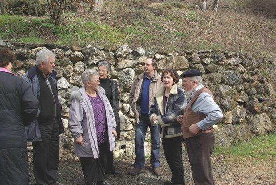Apres remise en etat des sentiers des Anciens du village qui empruntaient ces chemins pour accerder a leurs champs