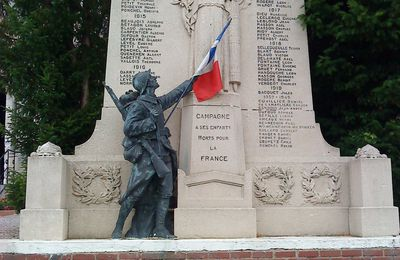 CAMPAGNE LES HESDIN (62) : son monument aux morts