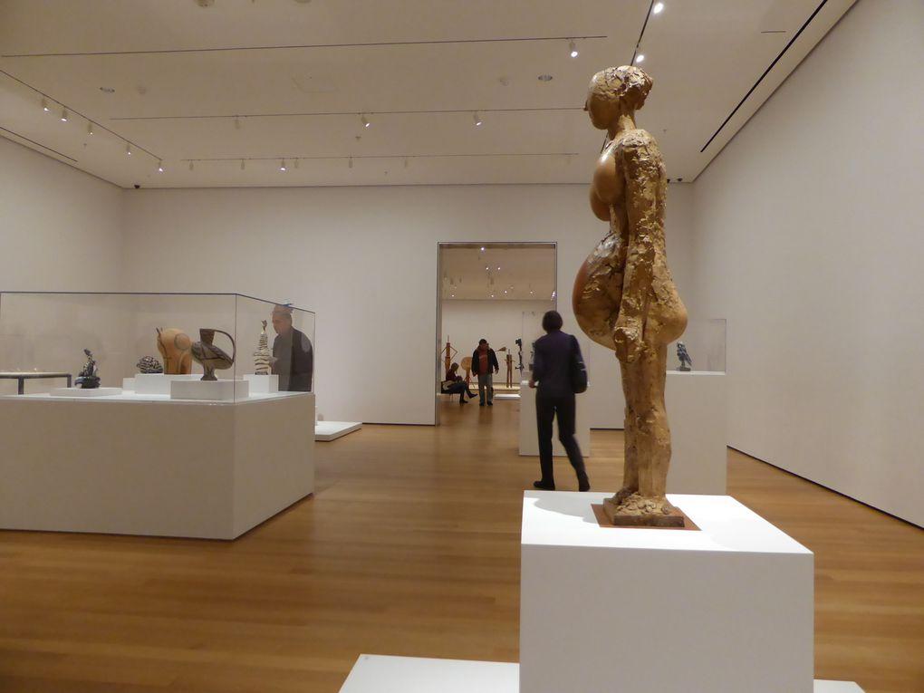 """Salle """" Les céramiques de Vallauris et les assemblages (1945-1953). Vallauris ceramics and assemblages"""". Exposition Picasso sculpture, MoMA, New York © Le Curieux des arts Gilles Kraemer, New York, décembre 2015"""