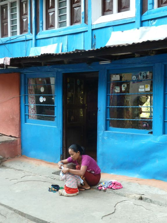 Novembre, 140 km en demi tour des Annapurnas ... un club aventure tout en ciel bleu ... (1ère partie)