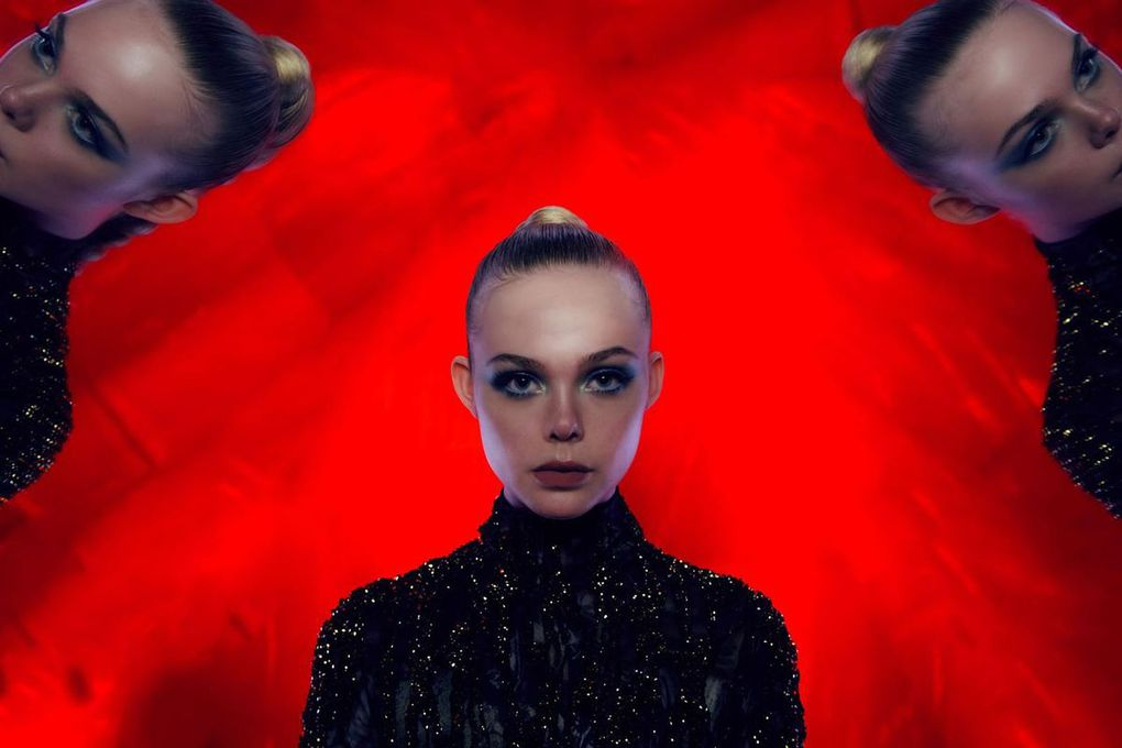 "CRITIQUE: ""THE NEON DEMON"""