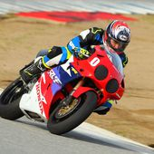 Honda RVF750R RC45 Laps with Keanu Reeves and Jake Zemke (Video)