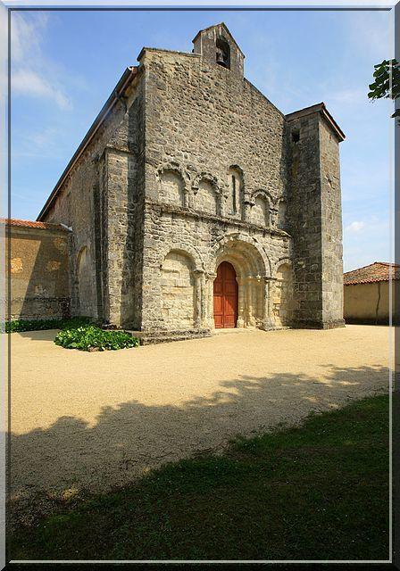 Diaporama église fortifiée de Neuvicq