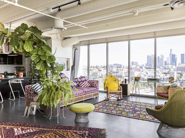 Un loft totalement vitré dans un building de Los Angeles