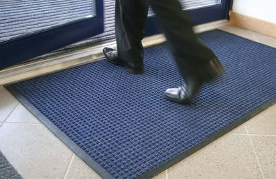 How To Choose The Right Entrance Mats For Domestic And Commercial Premises