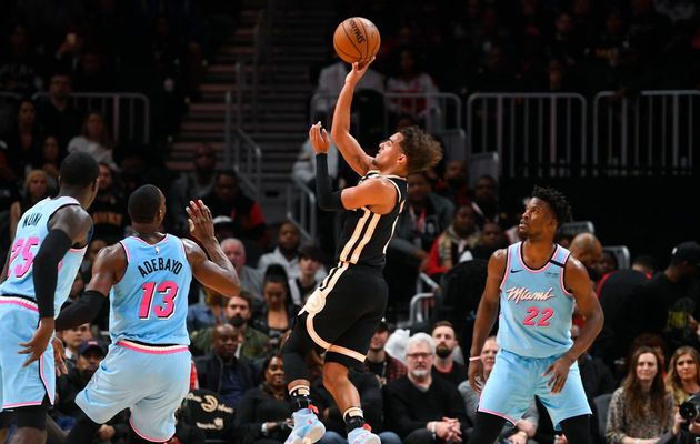 Trae Young écoeure le Heat de Miami en inscrivant 50 points