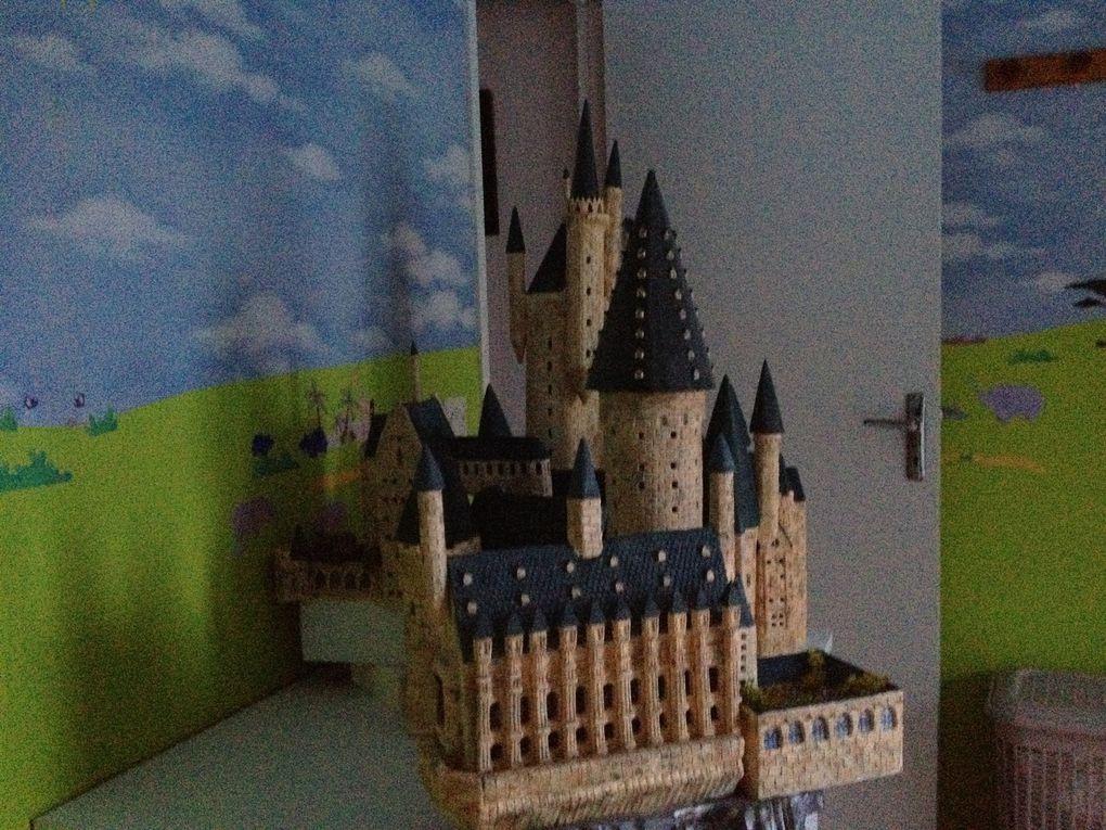 Un sorcier, une baguette de sureau, une formule magique et hop un village poudlardesque, ou l'école des sorcier d'Harry Potter....
