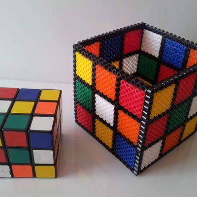 Création d'un pot à crayon rubik's cube