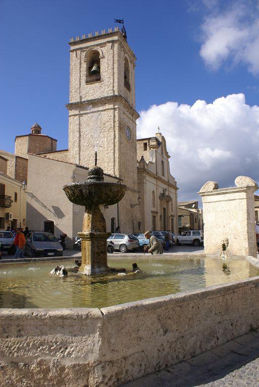 La magia dell'acqua pubblica e la fontana della piazza di Palazzo Adriano