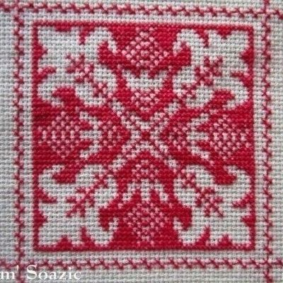 SAL : Plaid Broderie Rouge... Grille 2 / F4