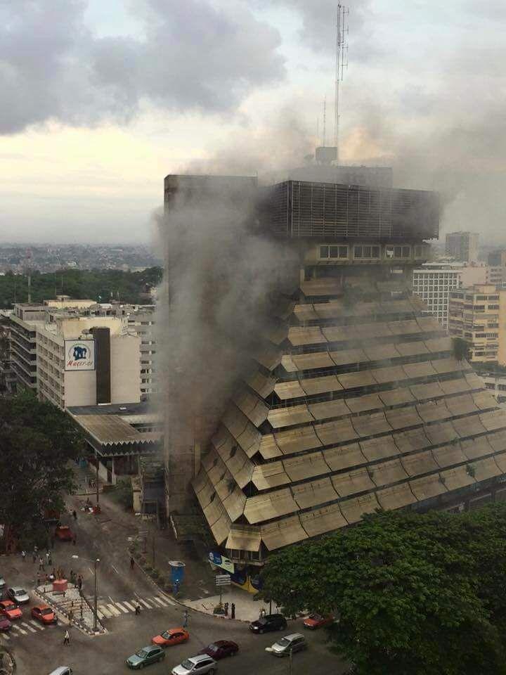 La pyramide d'Abidjan brûle... à qui profite le feu ? / Mamadou Ben Soumahoro