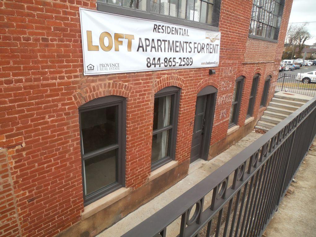 Une rénovation plutôt réussie au centre-ville : nous vous avions présenté, il y a quelques années une ancienne filature en voie de démantèlement. Le bâtiment est resté sans vie depuis ce temps. Récemment, l'ensemble a été remis à neuf et c'est ainsi que nous avons vu une dizaine d'appartements, à l'étage inférieur, prêts à accueillir des locataires et...