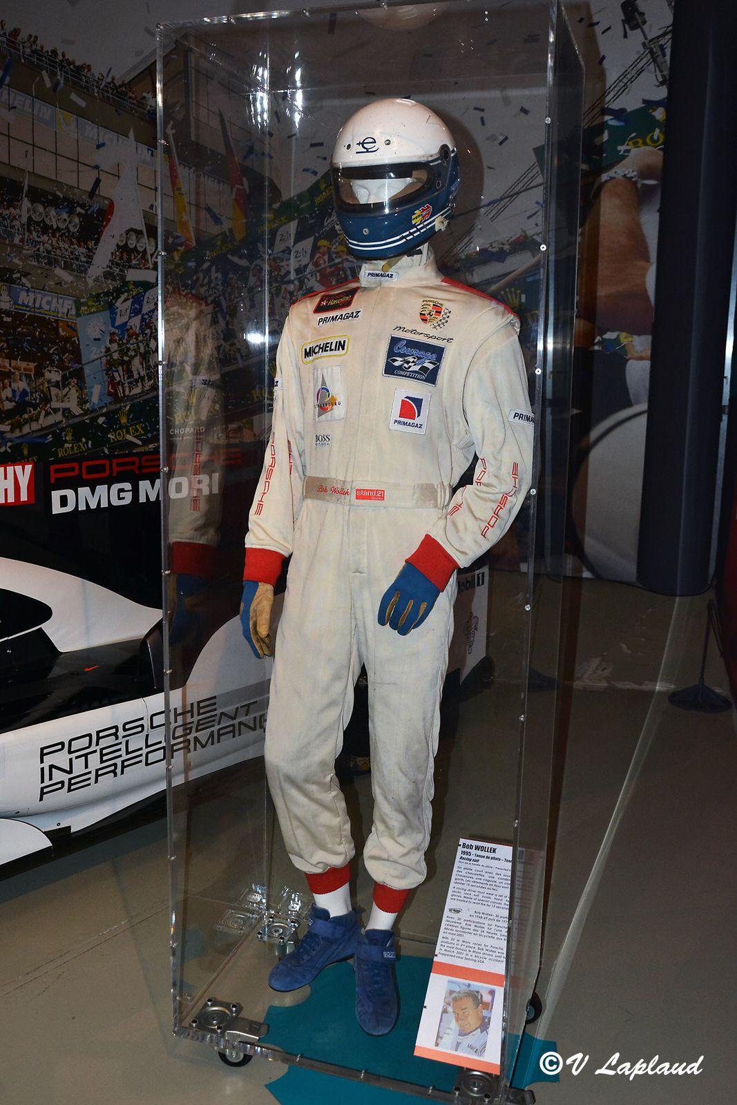 Tenue de course Bob Wollek, 24 Heures du Mans 1995, Musee du Mans 2020.