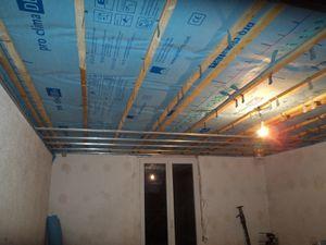 Pose du fermacell au plafond du bureau